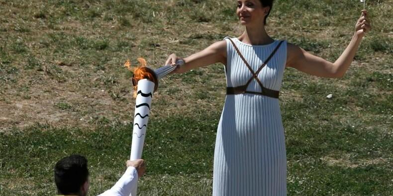 La flamme des Jeux olympiques de Rio allumée à Olympie, en Grèce