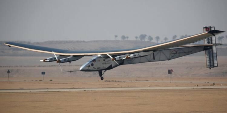 Solar Impulse II se pose au Caire avant sa dernière étape
