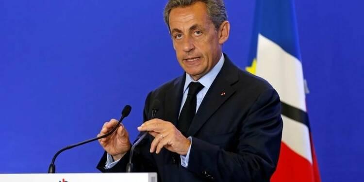 Face au terrorisme, faire changer la peur de côté, dit Sarkozy