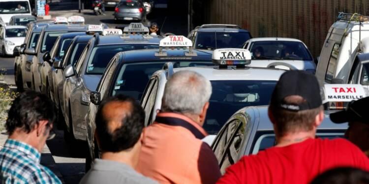 Le gouvernement propose de racheter les licences de taxis