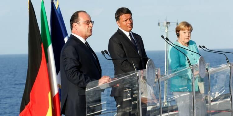 Hollande, Merkel et Renzi s'affichent unis pour une Europe sûre