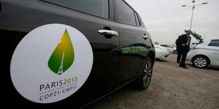 La COP21 prend du retard, Fabius tape du poing sur la table