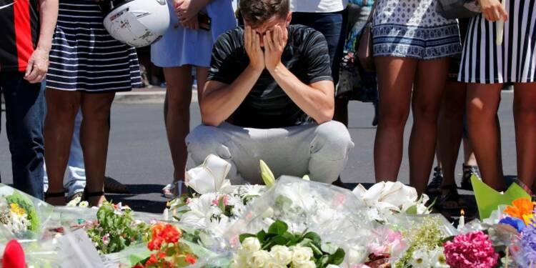 Bernard Cazeneuve évoque une radicalisation du tueur de Nice