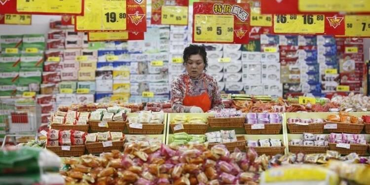 Les ventes au détail en Chine moins robustes en 2015, dit Pékin