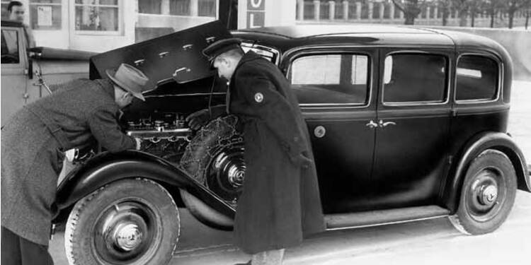 Mercedes 260 D, 1936 : Première apparition du moteur diesel