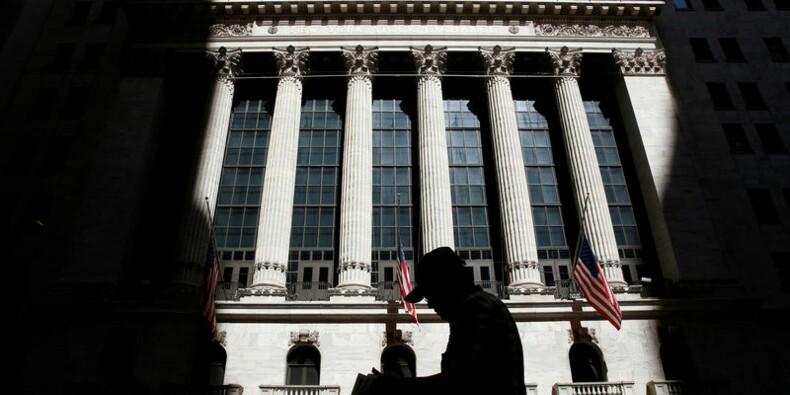 Wall Street ouvre en léger repli après la Fed, Facebook monte