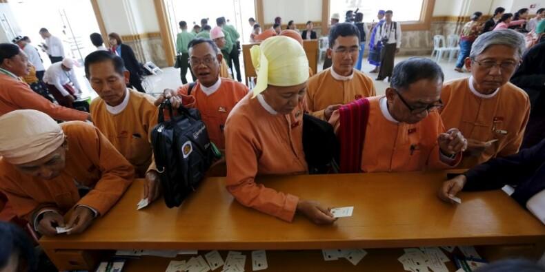 Session inaugurale du Parlement birman et pour les élus LND