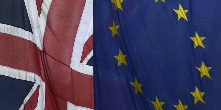 """Le spectre du """"Brexit"""" planera sur la croissance britannique en 2016"""