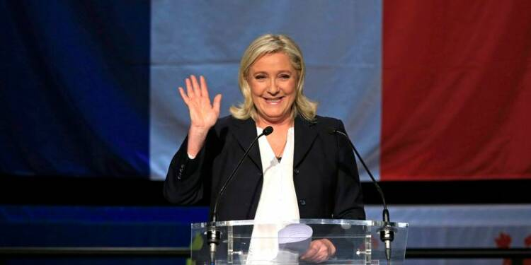 Le FN en tête devant la droite et le PS, selon les sondages