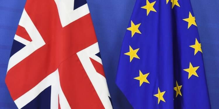 """""""Brexit"""": une série de sondages place le maintien dans l'UE en tête"""
