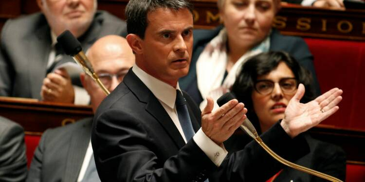 Manuel Valls ne craint pas une motion de censure