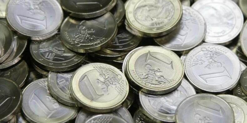 Un rapport suggère à Valls de créer un revenu minimum dès 18 ans