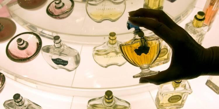Le marché français du parfum pénalisé en 2015 par les attentats
