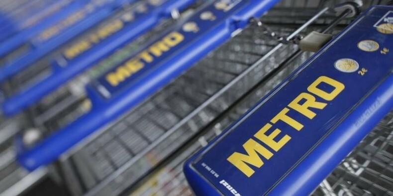Metro annonce une perte au 3e trimestre et chute en Bourse