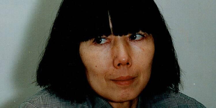 """Rei Kawakubo (née en 1942) : la dissidente du """"no fashion"""" de Comme des Garçons"""