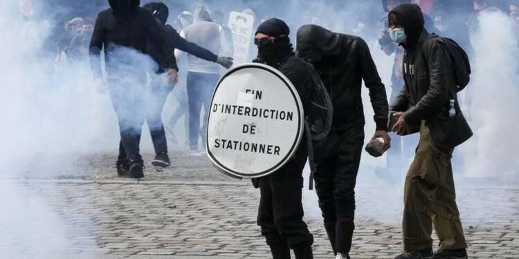 Manuel Valls souhaite que les syndicats ne manifestent pas jeudi