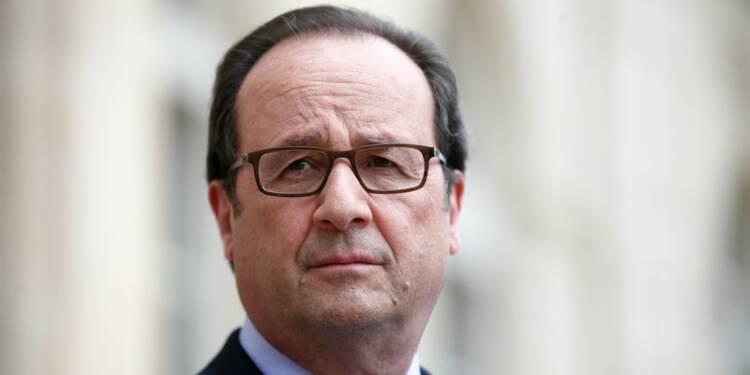 """Les excès de Trump provoquent un """"haut le coeur"""" à Hollande"""