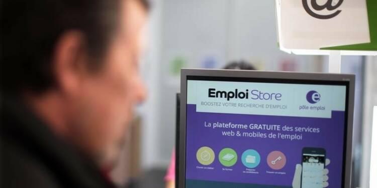 François Hollande salue une tendance à la baisse du chômage