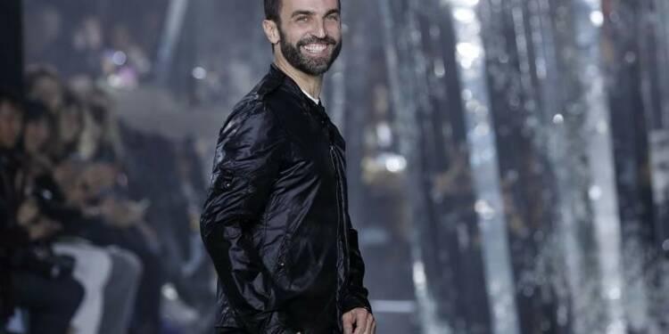 Le PDG de LVMH envisagerait de remplacer le designer de Vuitton