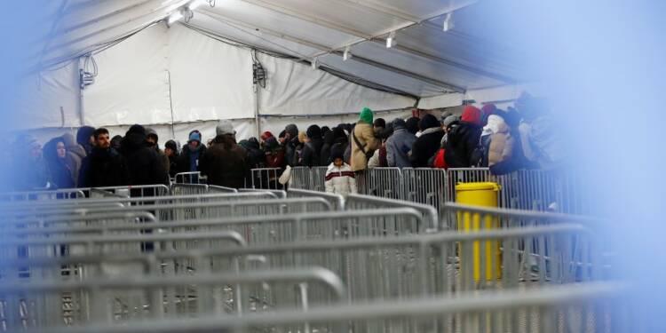 L'afflux de réfugiés en Allemagne ne se tarit pas, dit Berlin