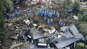 Les secours après les séismes au Japon ralentis par les dégâts
