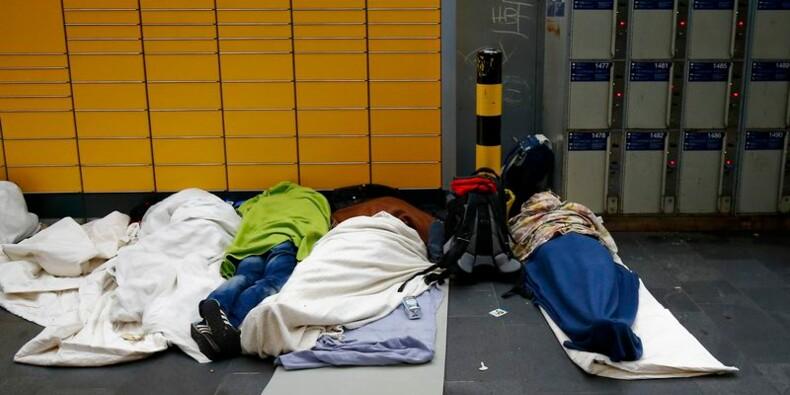 Hollande veut que l'Europe puisse contrôler ses frontières