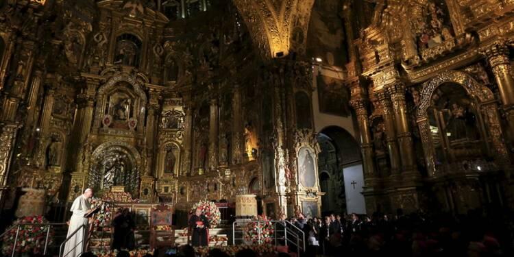 Le pape plaide à Quito pour la protection de l'environnement