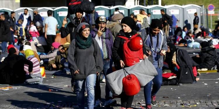 Les migrants affluent en Slovénie malgré le froid