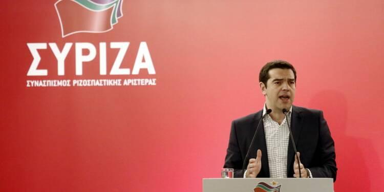 """Tsipras hausse le ton contre des """"exigences irrationnelles"""""""