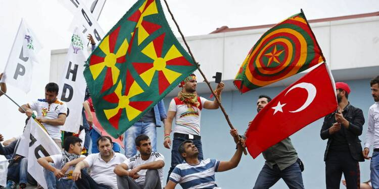 Escalade verbale en Turquie à la veille des législatives