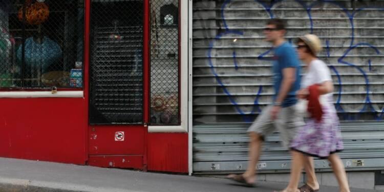 """Emmanuel Macron dénonce l'""""obstruction"""" de Paris sur le dimanche"""