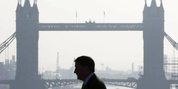 Le déficit commercial britannique à un creux de plus d'un an