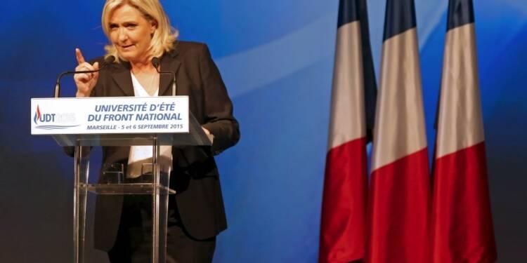 """Marine Le Pen en guerre contre la """"submersion migratoire"""""""