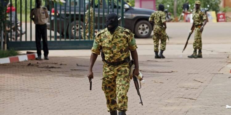 Des pro-putschistes au Burkina attaquent l'hôtel des médiateurs