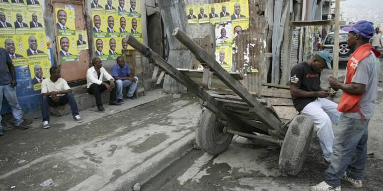 Cinquante-quatre candidats briguent la présidence en Haïti