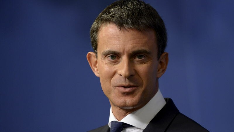 """Valls refuse de """"jouer"""" avec une candidature présidentielle"""