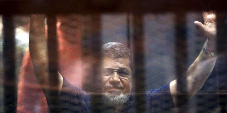 Peine de mort demandée contre l'ex-président égyptien Morsi