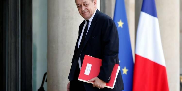 Jean-Yves Le Drian bien parti pour rester ministre de la Défense jusqu'en 2017
