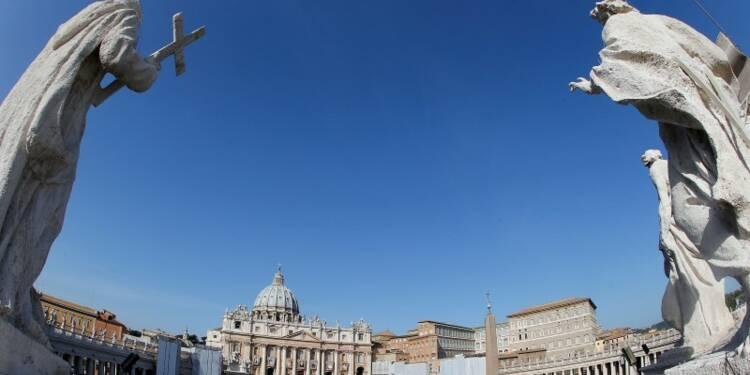 Un ancien nonce sera jugé pour pédophilie en juillet au Vatican