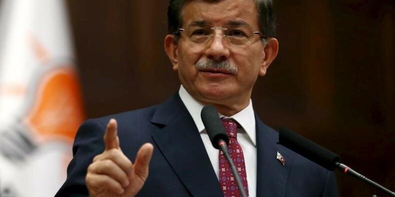 Ahmet Davutoglu renonce à former un gouvernement en Turquie