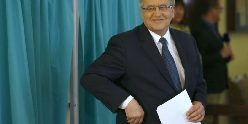Le président Komorowski brigue un nouveau mandat en Pologne