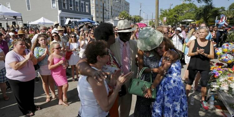 La foule se presse à l'église méthodiste de Charleston