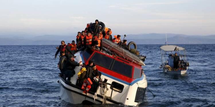 La Grèce retrouve 22 corps de migrants, en sauve 144