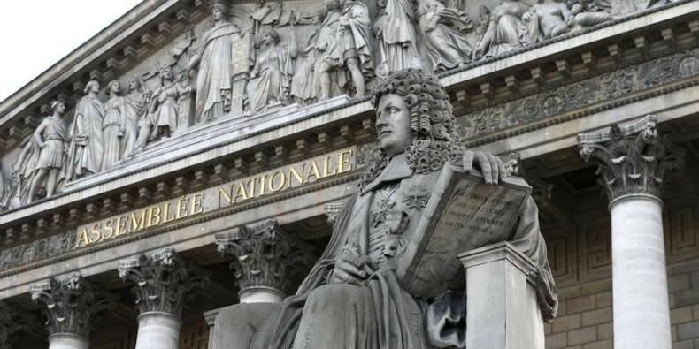 Le Parlement vote la loi sur le dialogue social