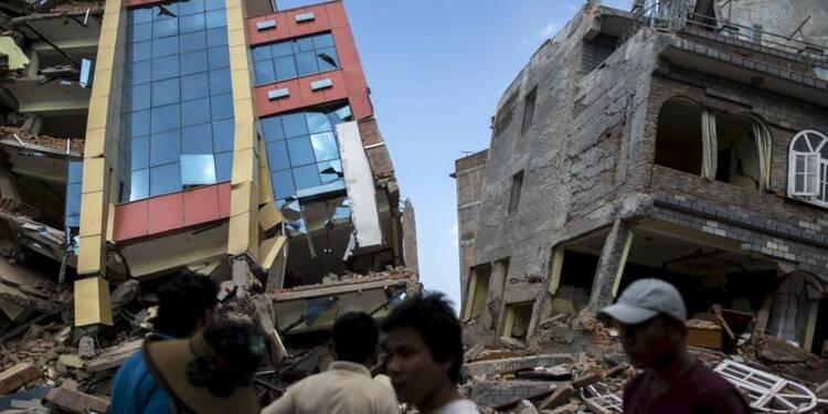 Un nouveau séisme fait au moins 41 morts au Népal