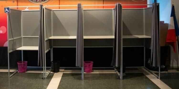 Le FN en tête au premier tour des régionales dans deux sondages