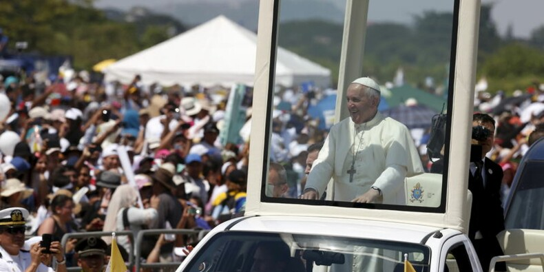 Le pape célèbre une messe à Guayaquil, en Equateur