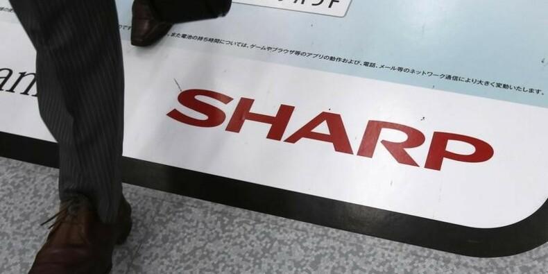 Sharp va réduire son capital, le titre plonge à Tokyo