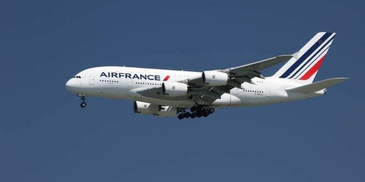 Des syndicats d'Air France en appellent à Manuel Valls