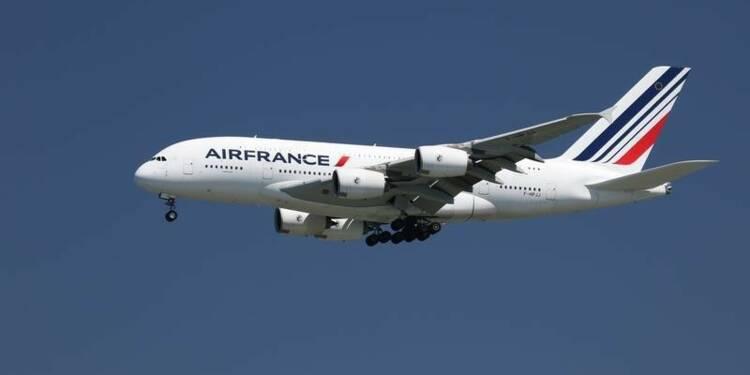 Des syndicats d'Air France en appellent à Manuel Valls